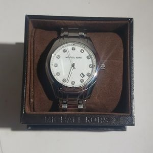 Michael Kors Accessories - Michael Kors MK5325 Watch (No battery)
